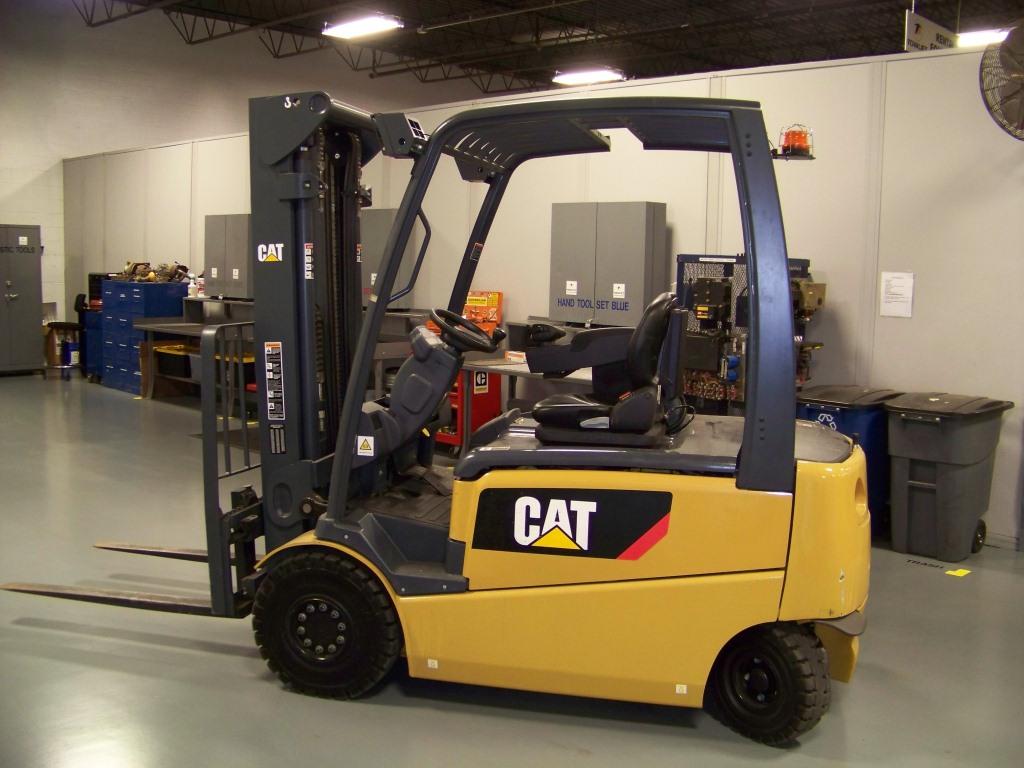 cat-lifttruck