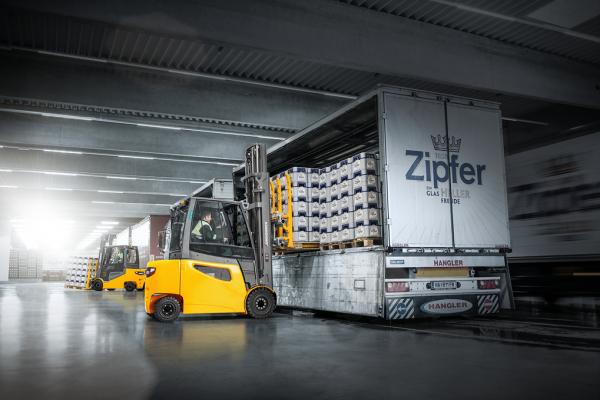 cho thuê xe nâng điện Jungheinrich EFG 425-S30 3 tan